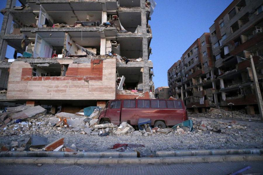 Massive Earthquake in Iran-Iraq kills over 500 people