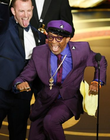https://media.vanityfair.com/photos/5c736bf9ef0cf20b466d9dc9/master/w_600,c_limit/l-oscars-2019-spike-lee.jpg