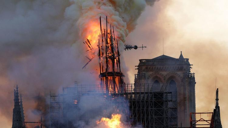 https%3A%2F%2Fwww.trbimg.com%2Fimg-5cb4caa8%2Fturbine%2Fct-notre-dame-cathedral-fire-photos-20190415