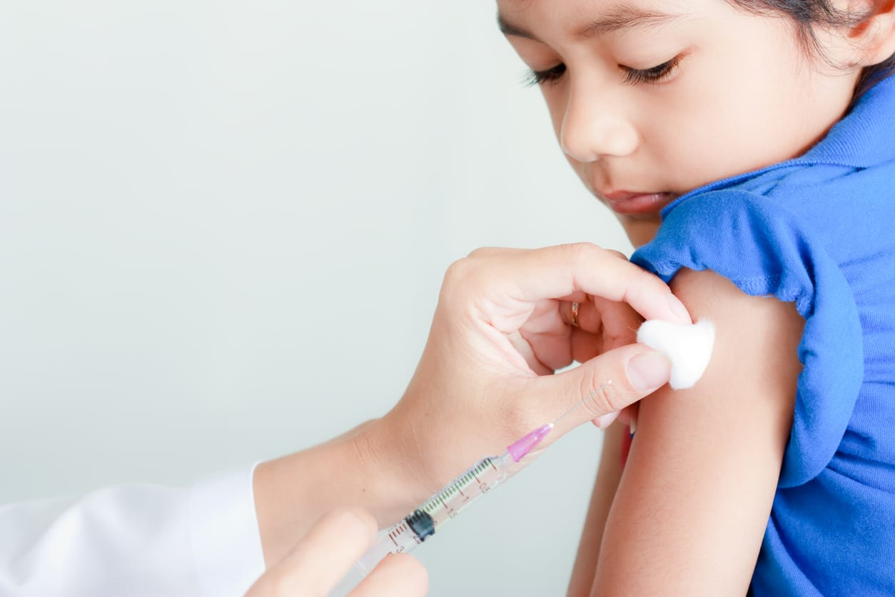 https://www.safewise.com/faq/child-baby-safety/should-child-vaccination/