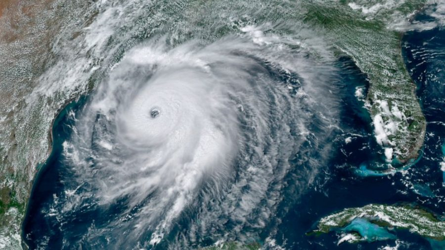 https%3A%2F%2Fs.abcnews.com%2Fimages%2FUS%2Fhurricane-laura-sat-ap-jc-200826_1598474219094_hpMain_16x9_992.jpg